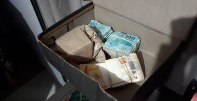 Dinheiro encontrado durante as buscas em Santa Catarina