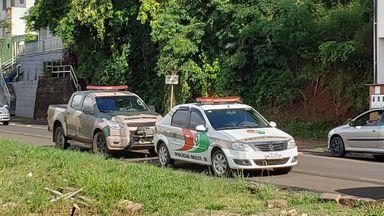 Polícia Ambiental apreende produtos de caça, armas e cães em situação de maus tratos em Joaçaba