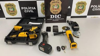 Durante a operação, polícia apreendeu ferramentas utilizadas na prática dos crimes