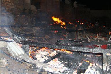 Quatro casas são destruídas por incêndio em Ponte Serrada