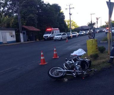 Motociclista morre em acidente na Avenida Caetano Branco