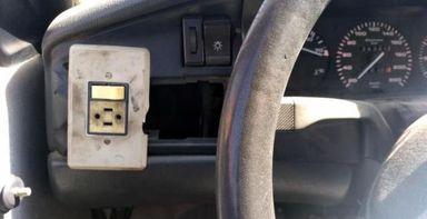 Polícia apreende carro com interruptor doméstico para ligar faróis em SC