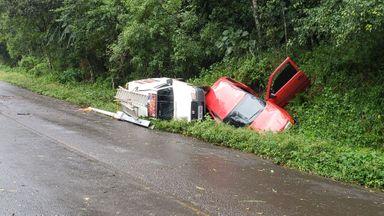 Acidente envolve dois carros e caminhão em Luzerna
