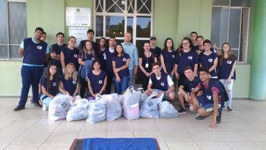Entrega das doações no Hospital São Roque