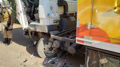 Acidente entre três veículos deixa feridos na Rodovia do Ovo