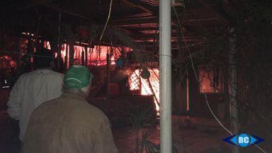 Incêndio destrói residência no município de Zortéa