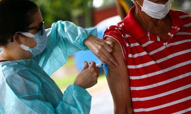 Governo agiliza processo de aquisição de vacinas da Índia e Rússia