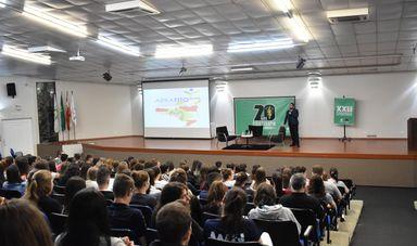 A Semana Acadêmica, além de proporcionar conhecimentos, possibilitou também, vivências com profissionais de outras regiões do Brasil