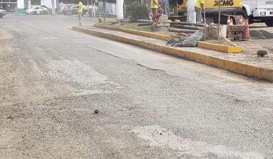 População reclama de cortes feitos no asfalto que demoram muito tempo para serem fechados