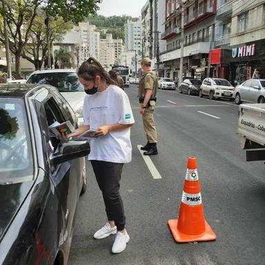 26°BPM realiza blitz educativa para a Semana Nacional do Trânsito