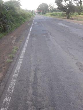 Buracos no trecho ente Catanduvas e Jaborá geram reclamações e usuários questionam serviço de tapa buracos na região