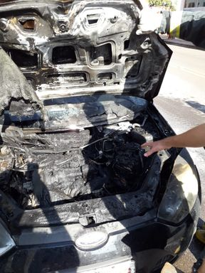 Veículo pega fogo em Joaçaba