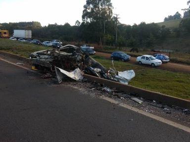 Motorista morre em colisão entre automóvel e caminhão em Ponte Serrada