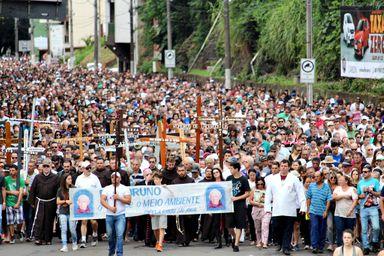 Fiéis agradecem e pedem graças em mais uma Caminhada Penitencial Frei Bruno