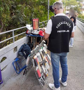 Procon de Joaçaba realiza fiscalização no comércio e vendedores ambulantes