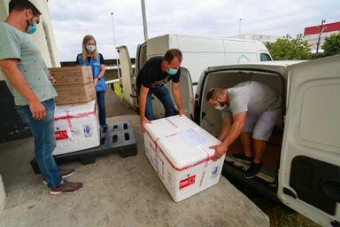 Governo do Estado inicia distribuição das doses da vacina de Oxford-AstraZeneca para municípios catarinenses