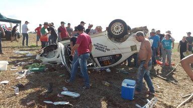 Carro de corrida envolvido no acidente