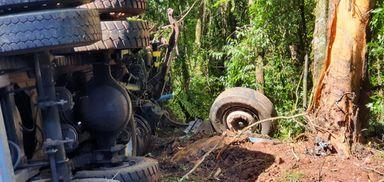 Motorista evita tragédia após caminhão ficar sem freios na BR 282 em Joaçaba